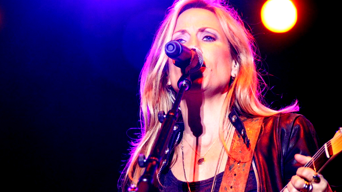 Sheryl Crow preforming at MI Fest Saturday, Sept. 17.  (Sam Hegeman | gcmag.org)