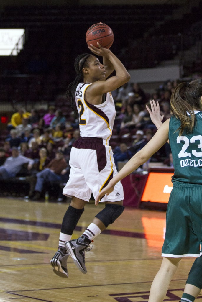 Central Michigan's Lorreal Jones, (2), pulls up a for a jumper in open space. (Photo I Rich Drummond)