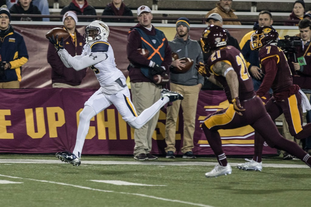 Diontae Johnson catches a deep ball during the game against the University of Toledo at Kelly Shorts Stadium, on the campus of Central Michigan University, Mt. Pleasant, Michigan, Tuesday, November 10, 2015.