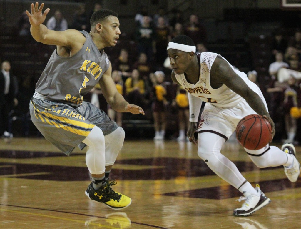 Guard Braylon Rayson (2) drives the lane in the second half against Kent State at McGurick Arena on the campus of Central Michigan University on February 3, 2016.